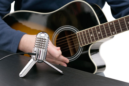 Samson Meteor Mic with guitar